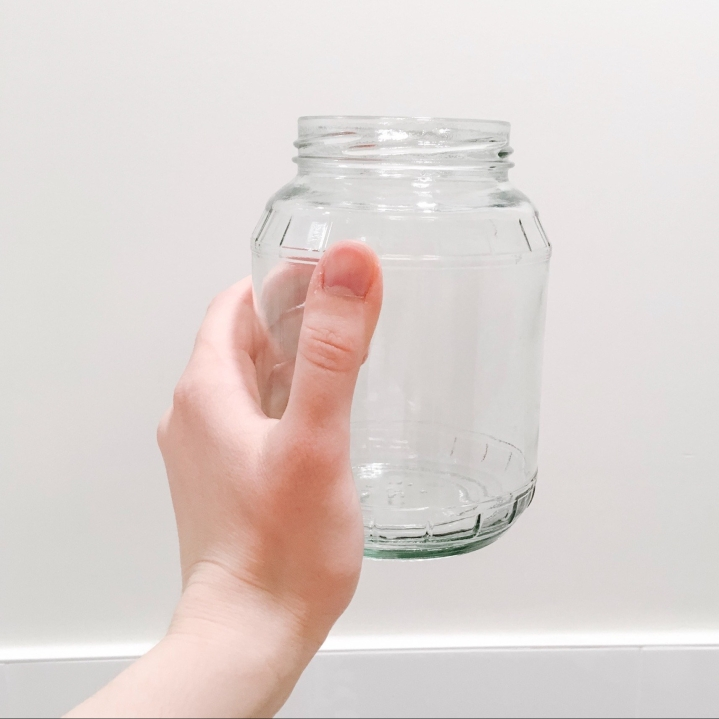 A trick for cleaning glass jars