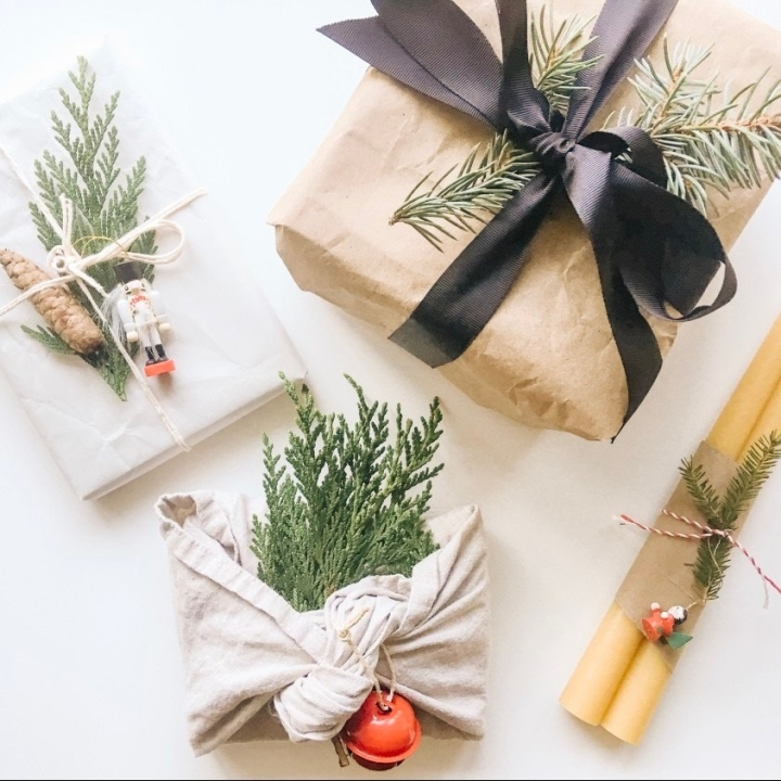 How to wrap experience gifts: Keep the magic of unwrappingpresents!