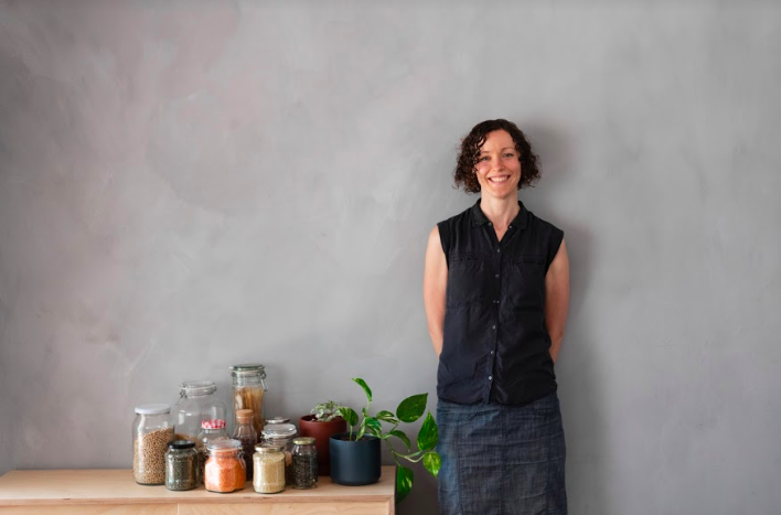 Interview with Lindsay Miles, author of The Less Waste No FussKitchen